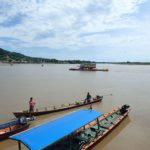 Transport de camion sur le rio Beni