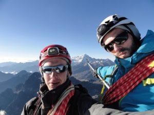 Selfie depuis le sommet du Pequeño Alpamayo, sur fond de Huayna Potosi